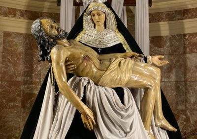 Nuestra Señora vestida para la Conmemoración de los Fieles Difuntos (7)