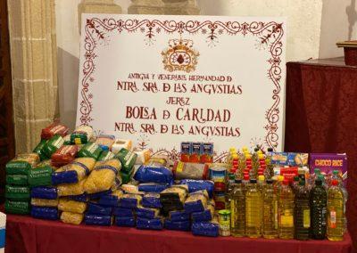 Recogida de alimentos de la Bolsa de Caridad en Mercadona de Pío XII 5