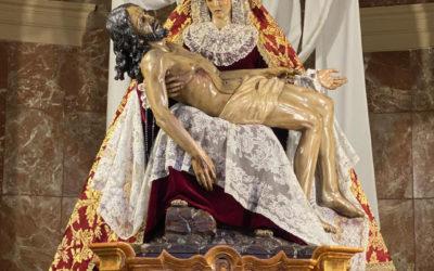 Fotografías cambio de vestimenta de Nuestra Señora