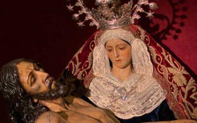Fotografías de Nuestra Señora vestida para el Solemne Triduo en honor a la Festividad de los Dolores de la Santísima Virgen María del 2021